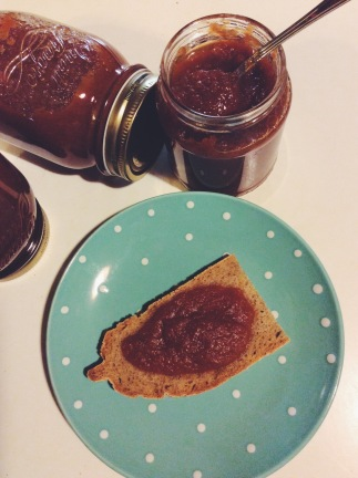 Marmellata di zucca e cachi aromatizzata agli agrumi e vaniglia